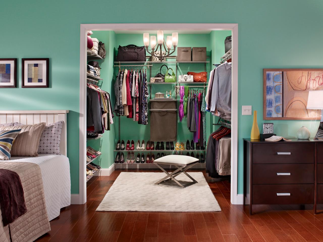 Organizzare la cabina armadio per ogni tipo di camera da letto 15 esempi - Organizzare camera da letto ...