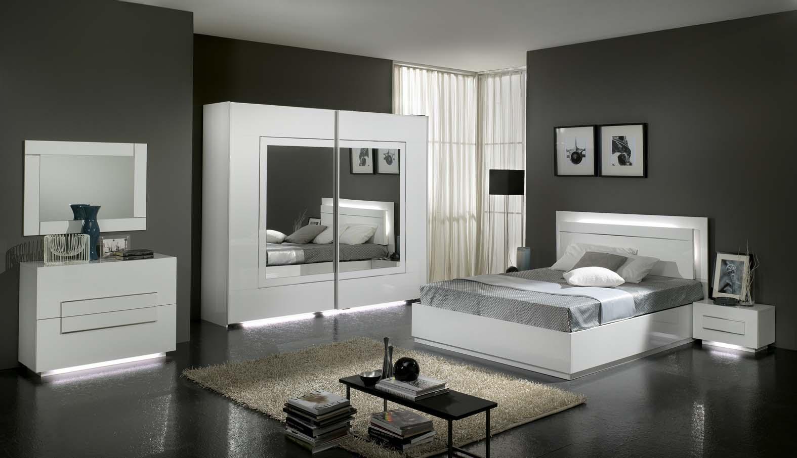 Camera da letto bianca e argento ecco 15 idee che vi - Camera da letto bianca ...