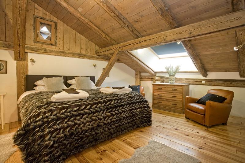 Come trasformare un sottotetto in un piccolo attico 15 for Foto di mansarde arredate
