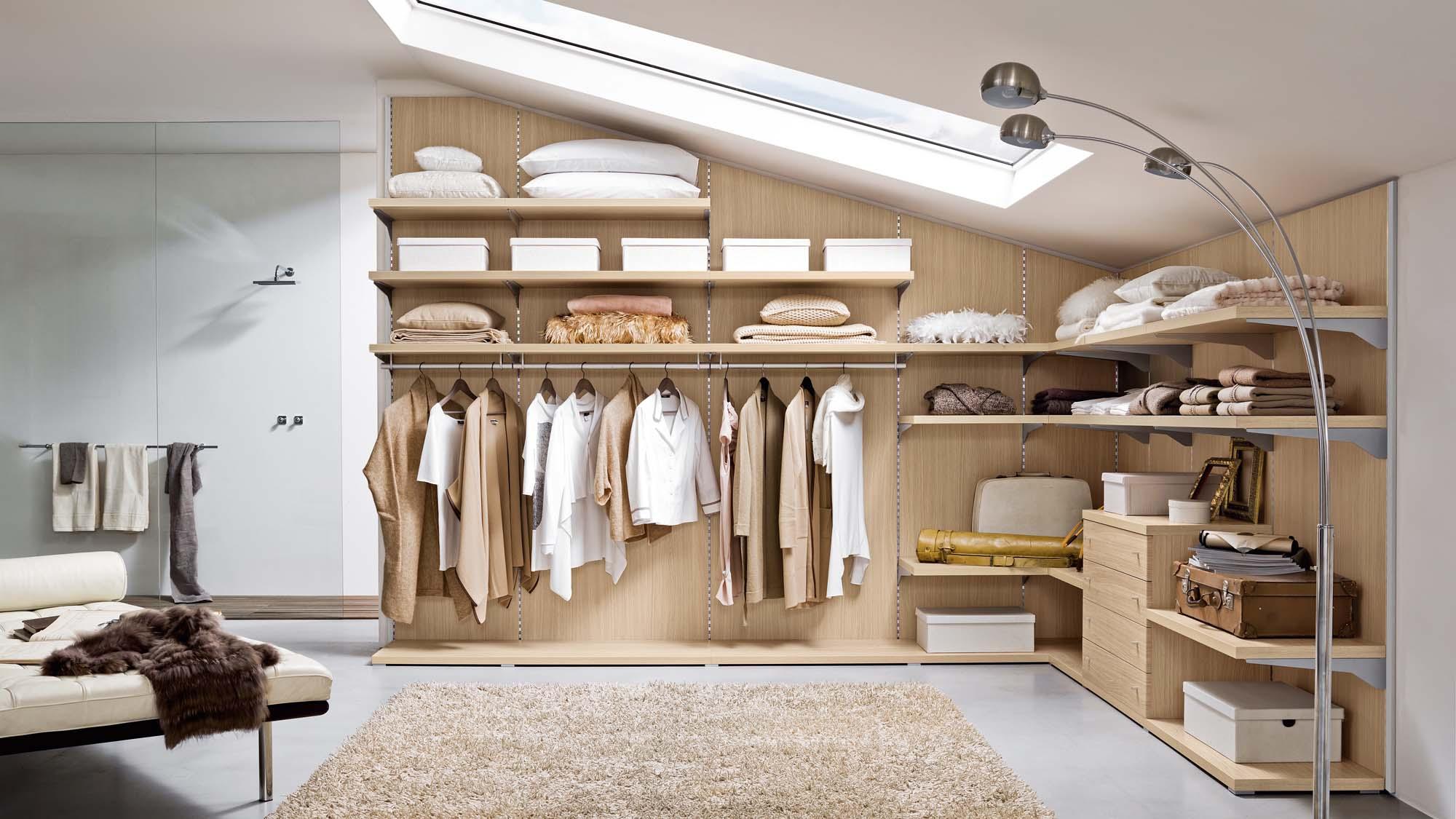 Come trasformare un sottotetto in un piccolo attico 15 for Consigli per arredare