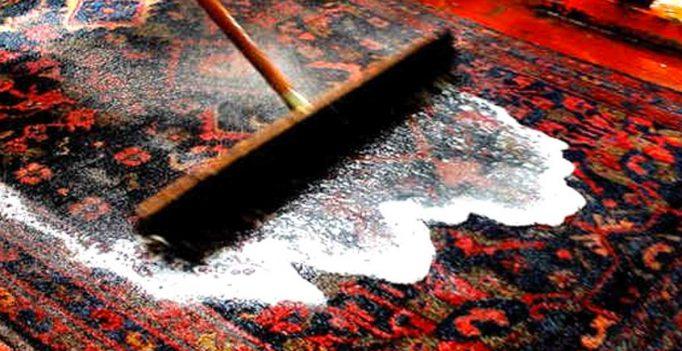 Pulire tappeti e disinfettarli
