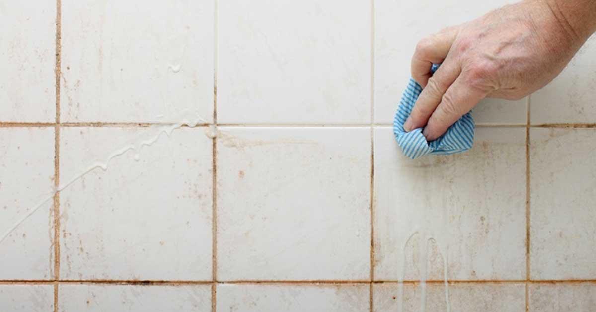 Pulire le fughe dei pavimenti e mantenerle in buone condizioni ecco come - Pulire piastrelle bagno ...