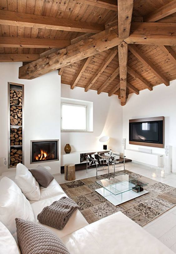 Accostare bianco e legno nel salone 20 bellissimi esempi for Case rustiche interni