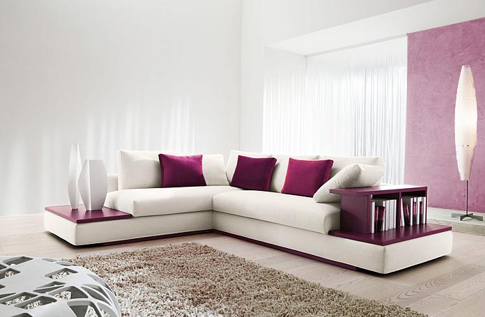 Abbinare un divano bianco con stile 15 idee versatili che for Divano enorme