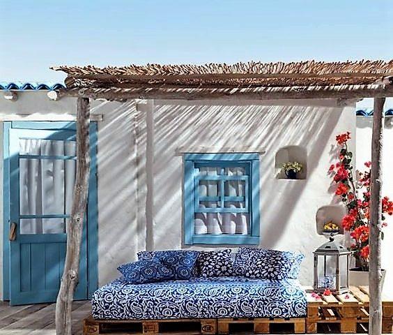 Decorare casa con bianco e azzurro