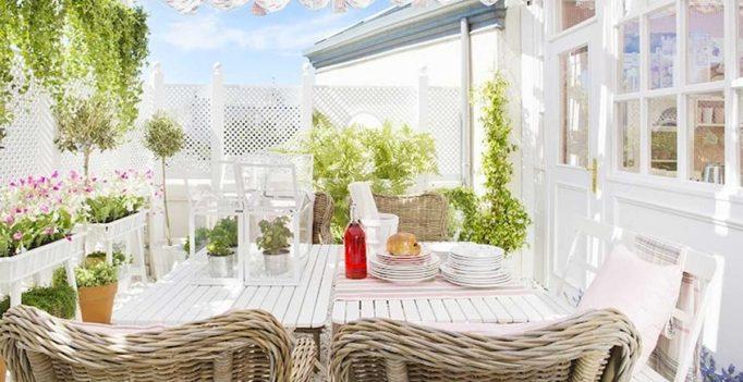 Il terrazzo in stile provenzale 15 idee che vi faranno for Idee per arredare stile provenzale