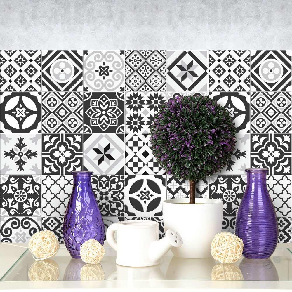 decorare con le piastrelle adesive