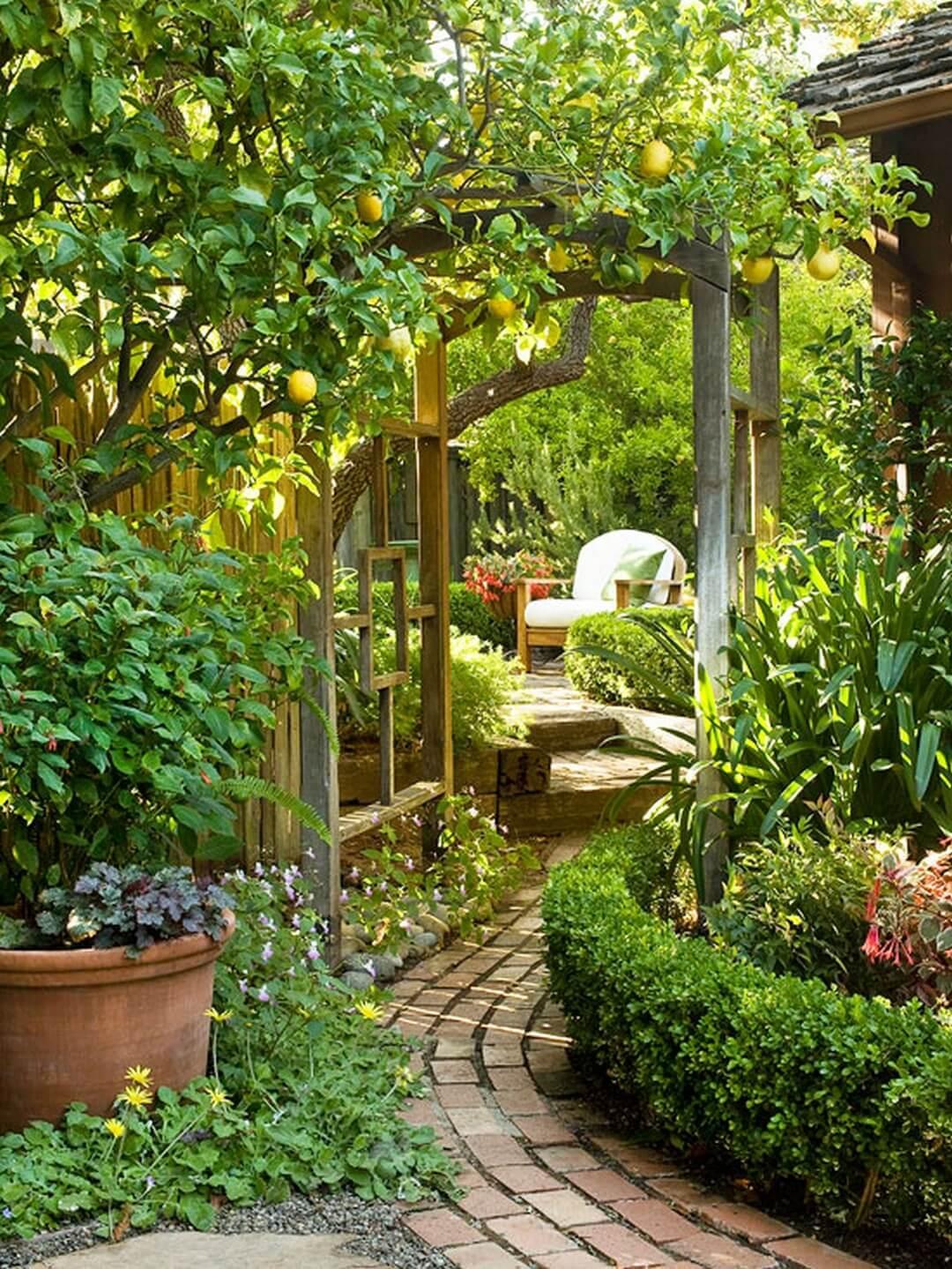 Decorare il giardino in modo creativo 20 idee for Decorare il giardino