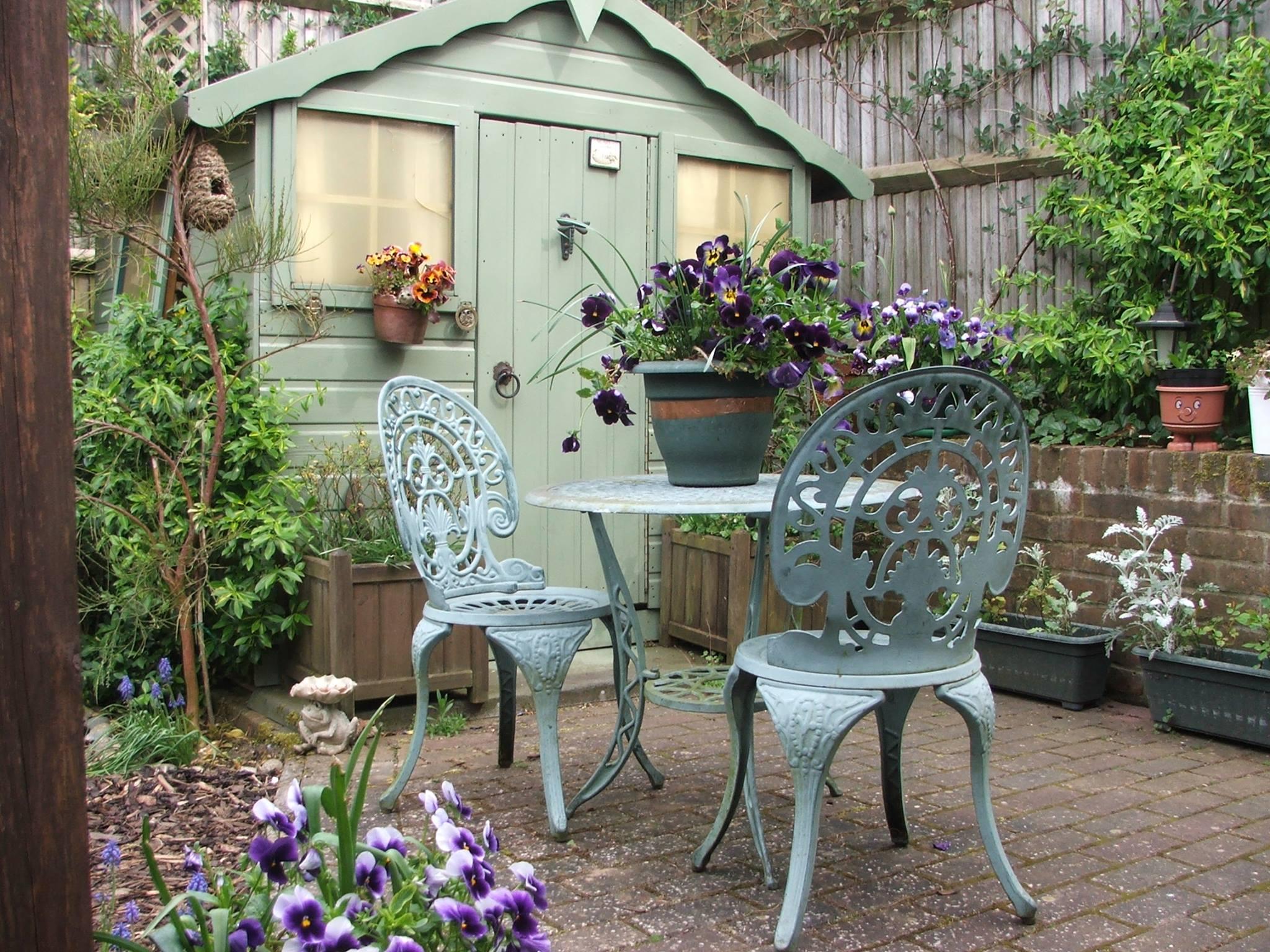 Come arredare il giardino in stile country 15 idee che vi for Arredamento country provenzale