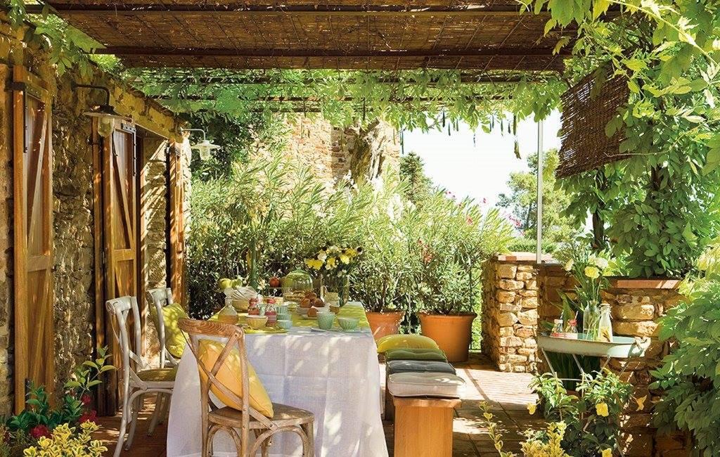 Come arredare il giardino in stile country 15 idee che vi - Giardini country ...