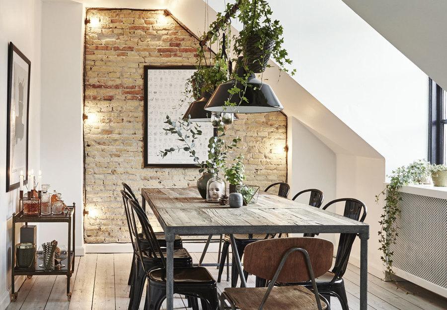 La sala da pranzo in mansarda