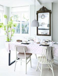 Decorazioni primaverili per la sala da pranzo