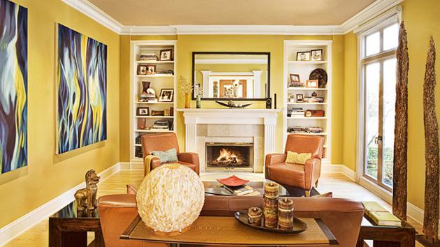Salotto con pareti gialle, ideale per uno stile moderno.