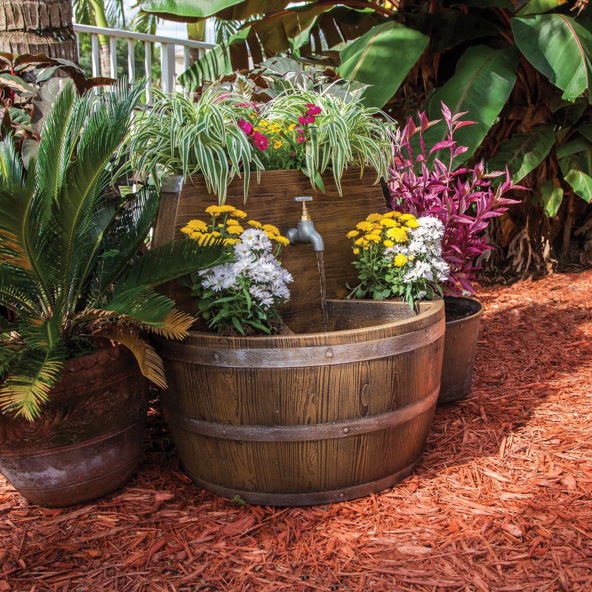 Fontane in legno 15 idee per una fontanella fai da te in for Fioriere fai da te in legno
