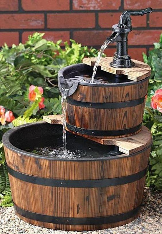 Fontane in legno 15 idee per una fontanella fai da te in for Cascata giardino fai da te