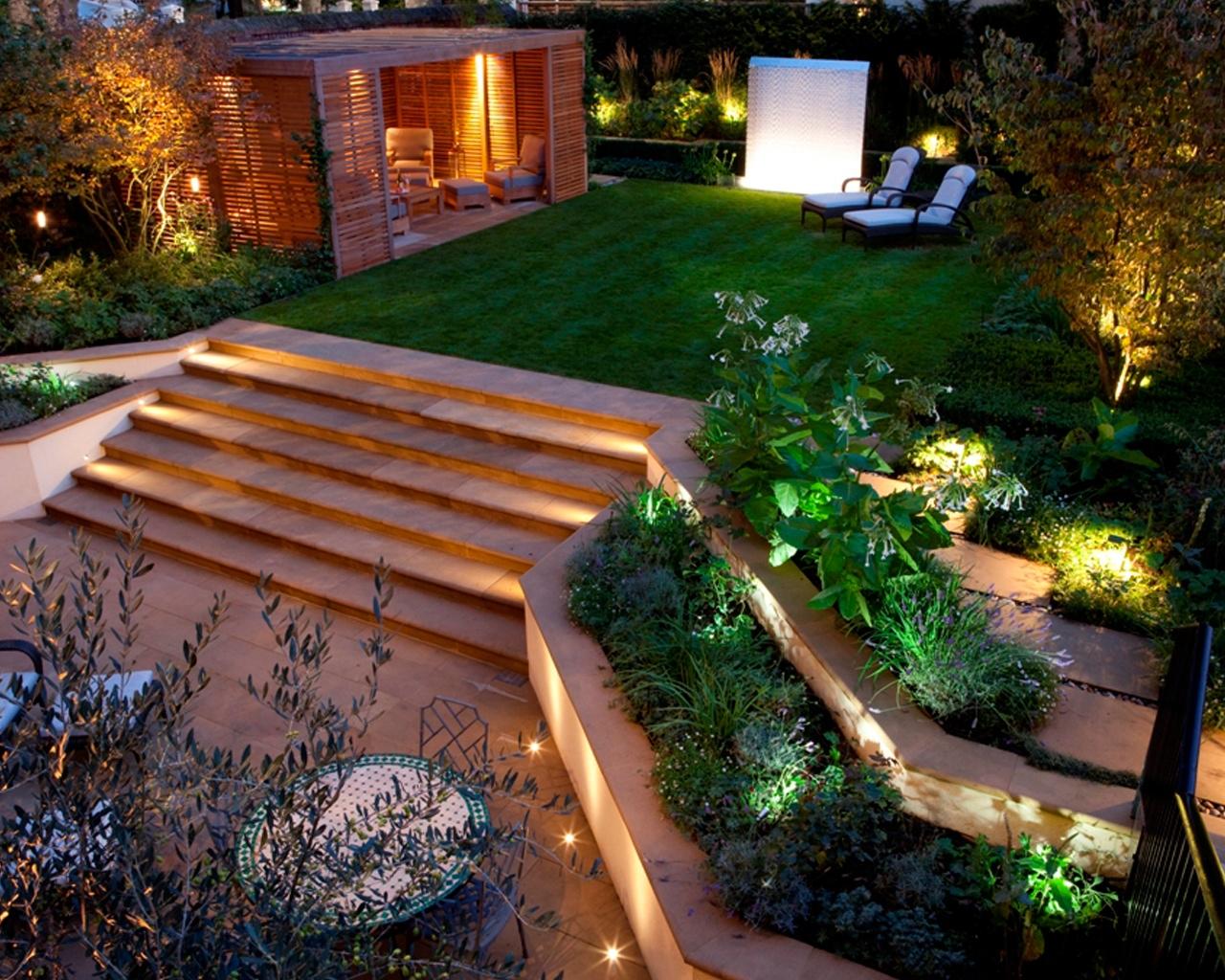 Arredare Un Giardino Idee come arredare un giardino in pendenza? ecco 15 idee a cui