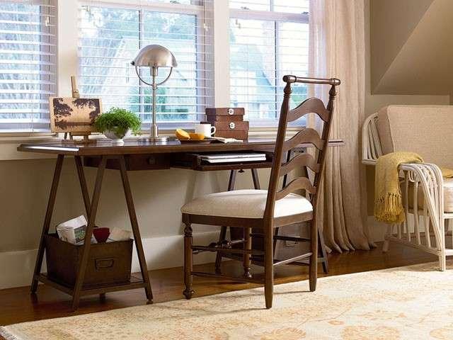 Come arredare un ufficio in casa 15 idee da cui trarre for Arredare studio in casa