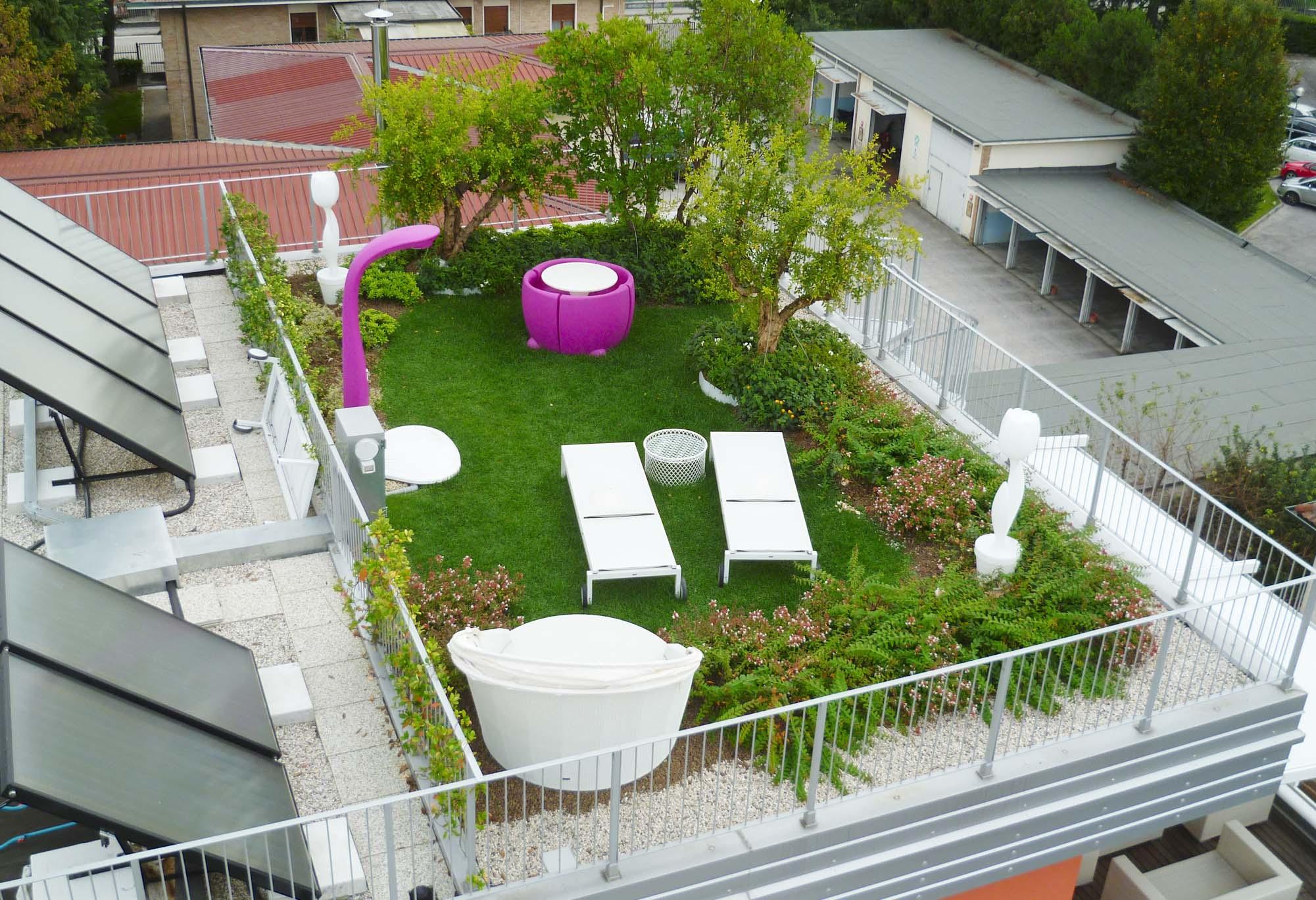 Come arredare un giardino piccolo 15 idee per ispirarvi - Creare un giardino sul balcone ...