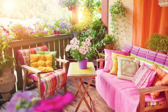 Arredare la terrazza low cost venite ad ispirarvi con for Idee per arredare casa spendendo poco