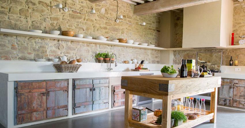 Cucine in muratura: 15 idee per progettare una cucina ...