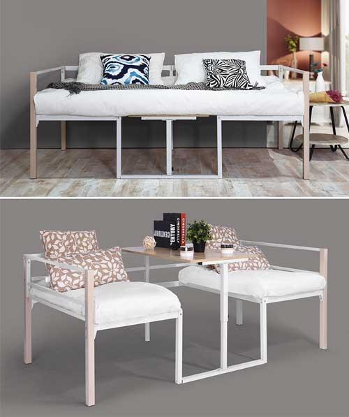 divano trasformabile in letto e sedie con tavolino, ideale per piccolo soggiorno.