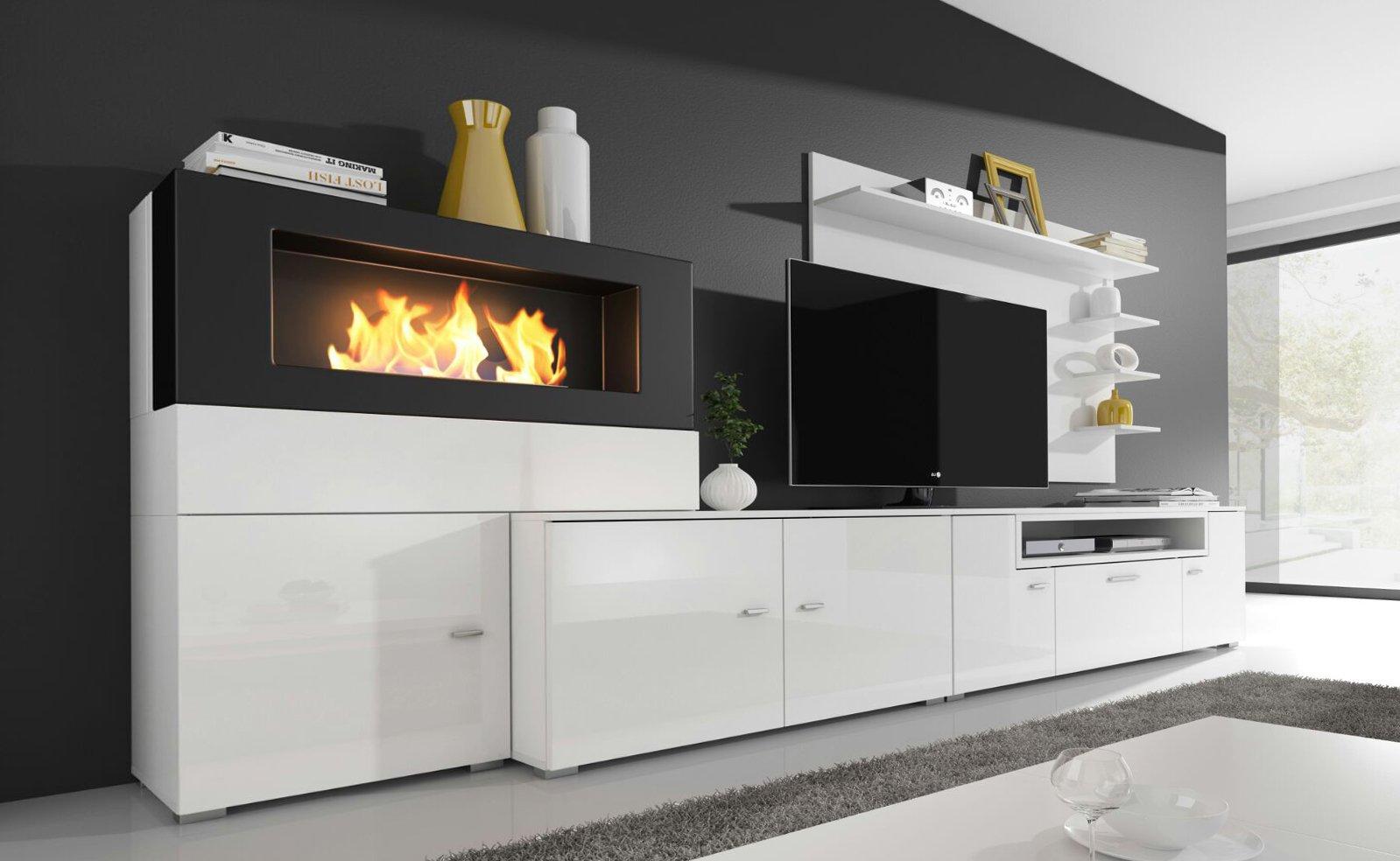 Parete attrezzata bianca per soggiorno con camino integrato e porta tv, mensole design.