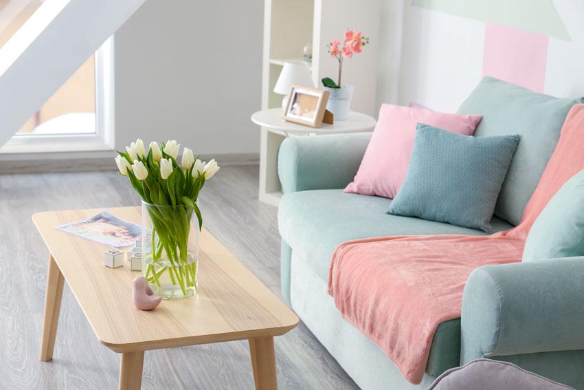 Abbinare cuscini al divano