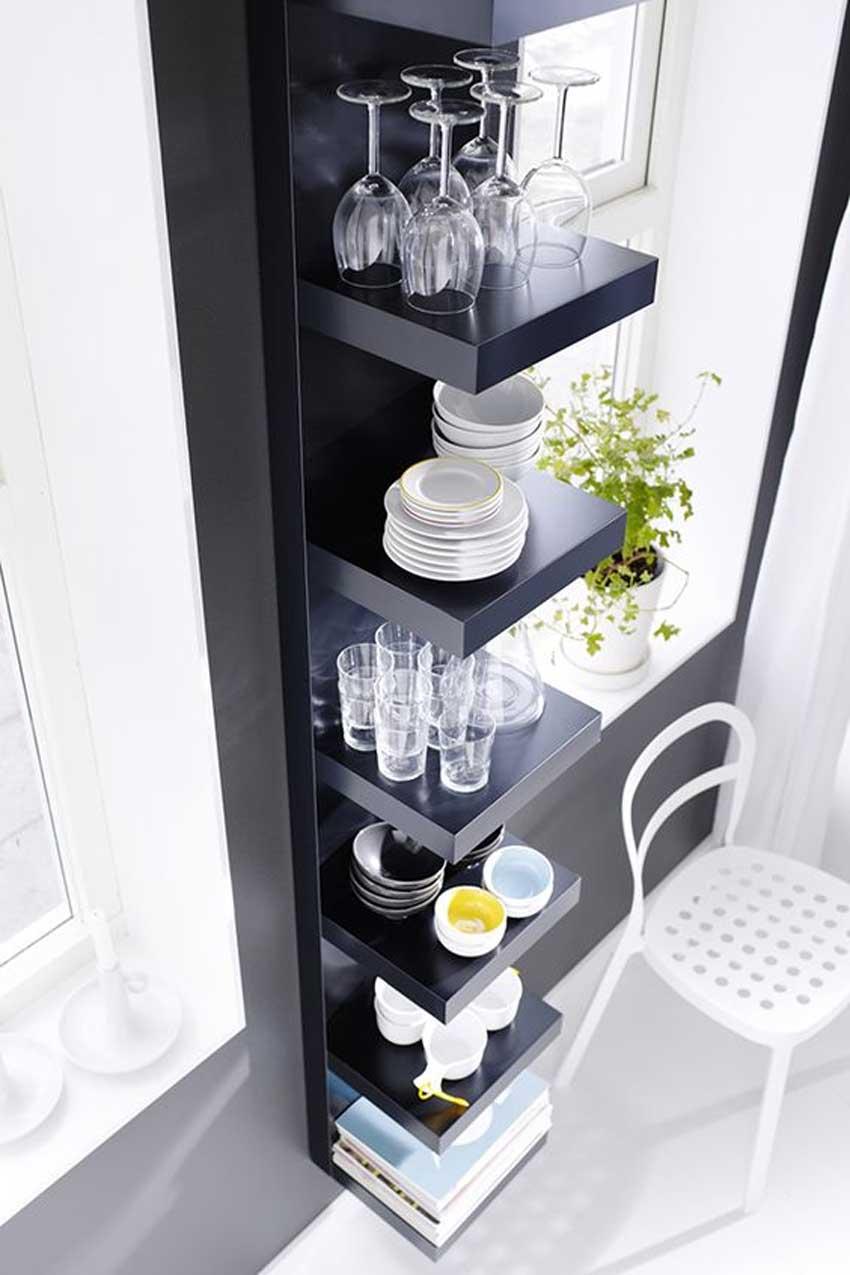 Mensole ikea cucina per sistemare piatti e bicchieri