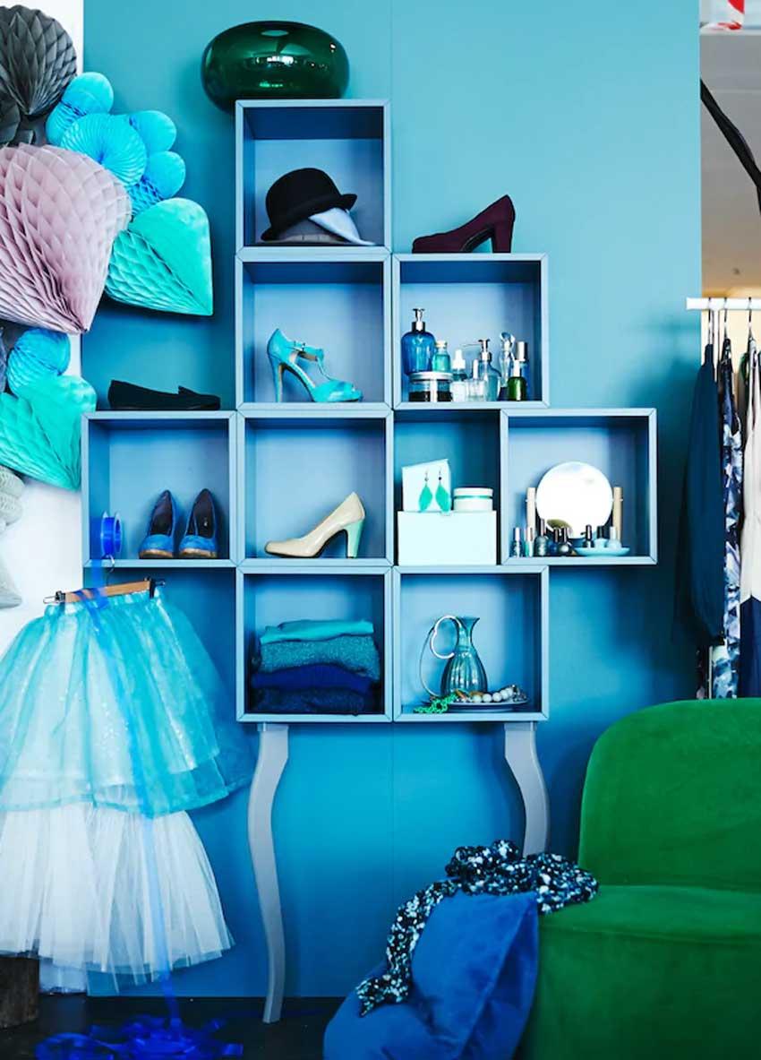 cubo da parete IKEA Eket diventa design in camera da letto