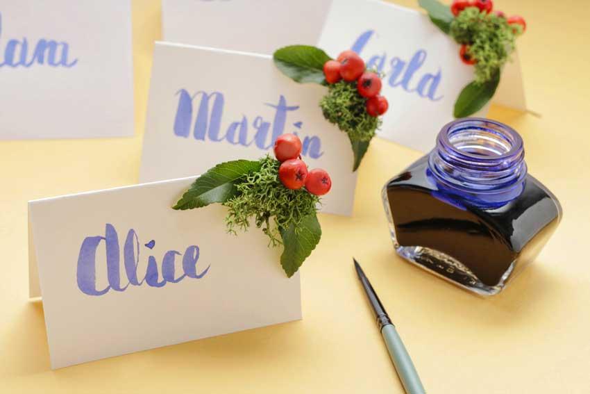 segnaposto matrimonio scritto a mano con pennello e inchiostro