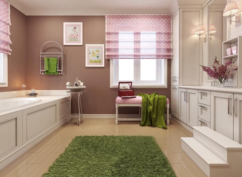 bagno moderno con tende a pacchetto rosa con pois.
