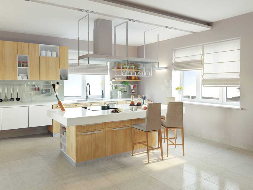 Cucina moderna bianca e legno chiaro, grande isola con sgabelli e piano cottura, top laccato bianco.