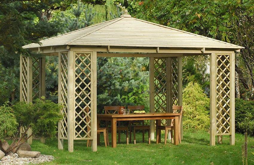 gazebo moderno in legno, ideale per pranzi all'esterno.