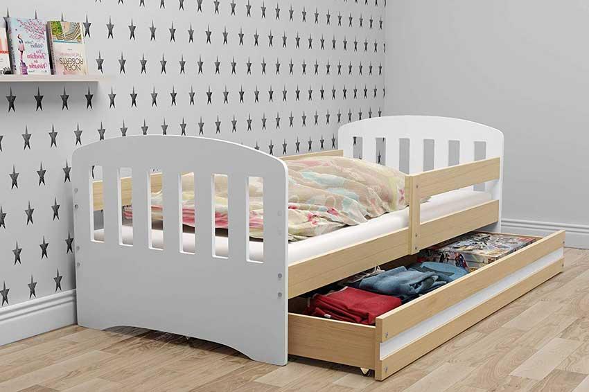 Letto salvaspazio per bambino con cassetto sotto per sistemare vestiti.