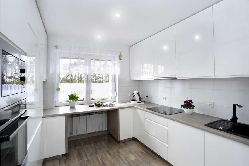 La Cucina Bianca 25 Idee Moderne Per Contrastarla Con Un Tocco Di Colore