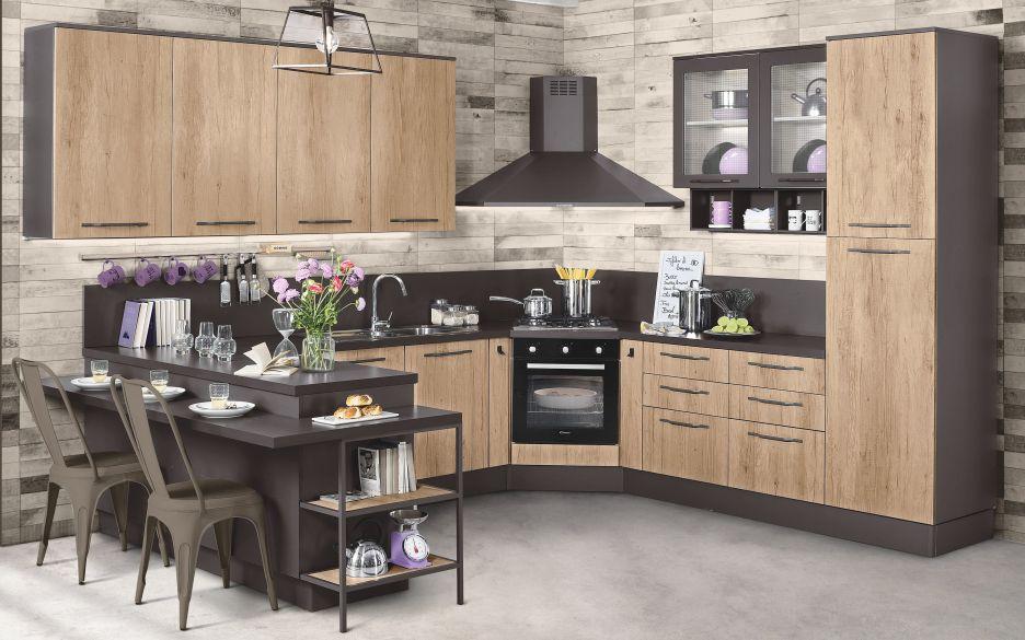 Cucina di mondo convenienza modello urban color nero e legno.