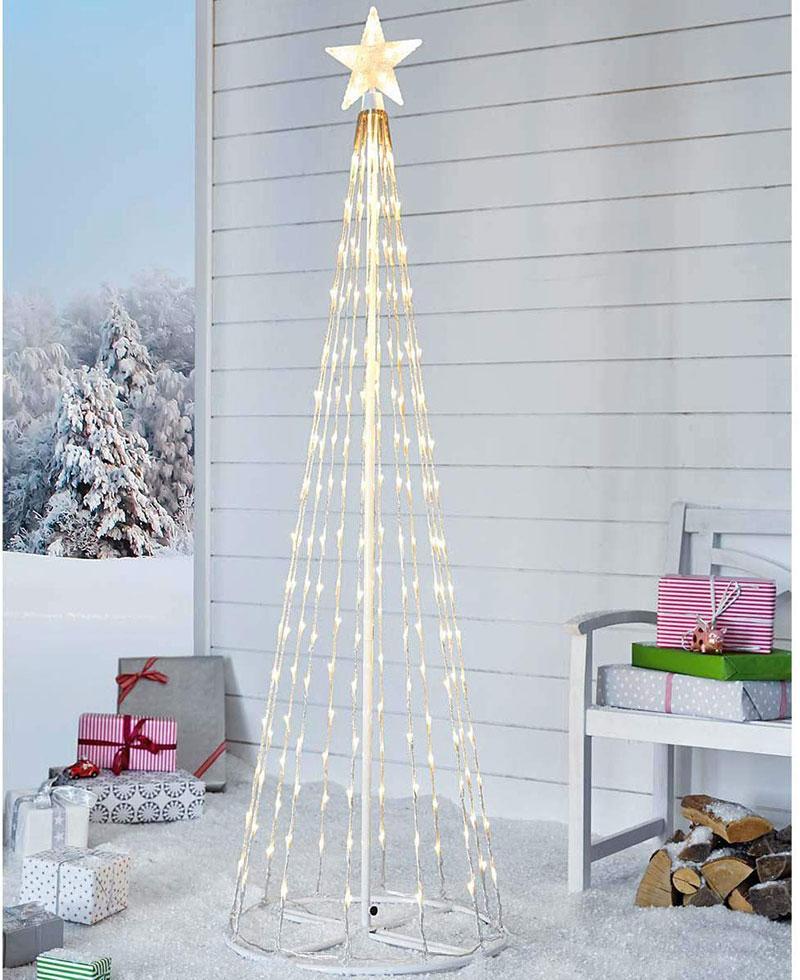 Albero di Natale luminoso stilizzato con stella in cima, ideale per decorare il giardino.