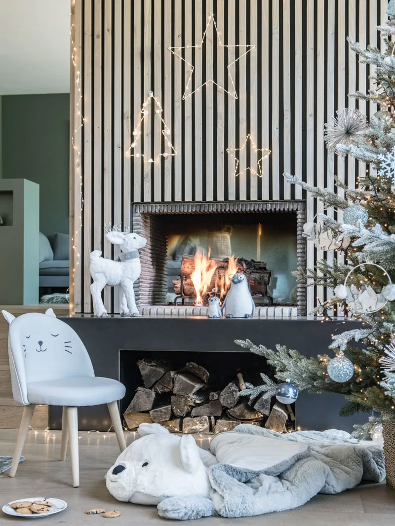 Albero di Natale in metallo bianco di Maisons du Monde.