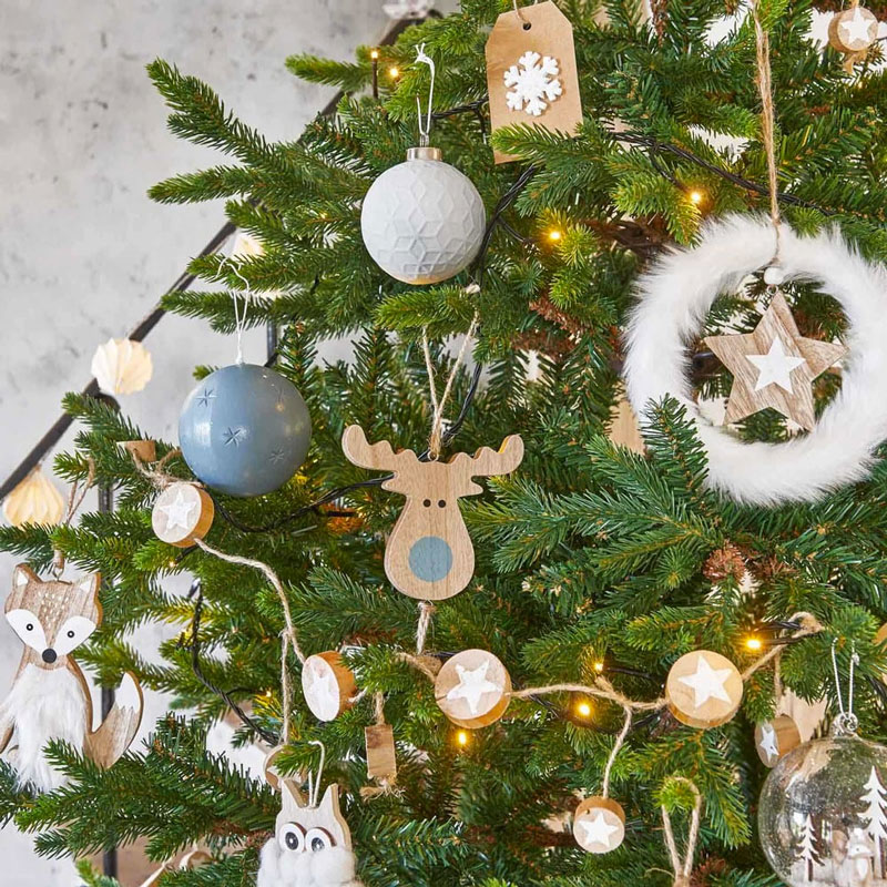 Addobbi in legno per albero di Natale Maisons du Monde.