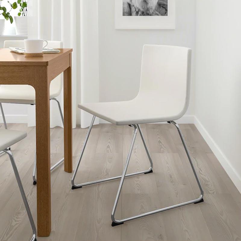 Offerta sedia moderna Bernhard IKEA.