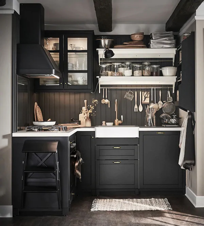 Foto cucine IKEA LERHYTTAN mordente nero.