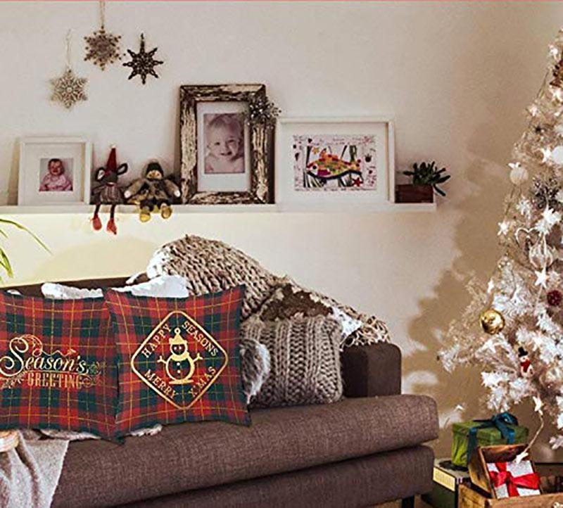 Cuscini natalizi per divano.