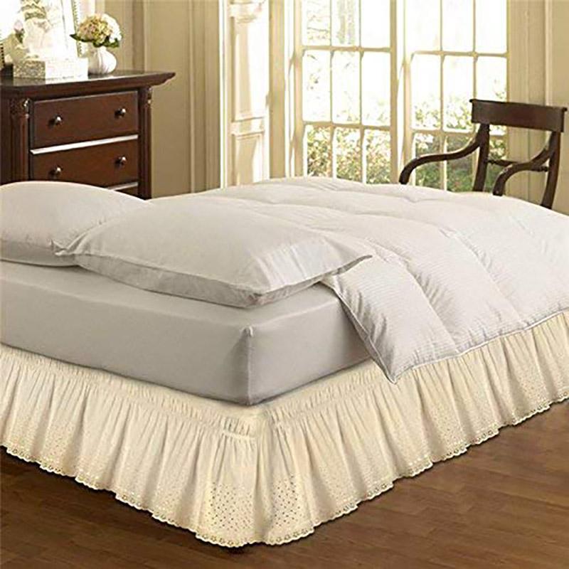 Mantovana beige per il letto.