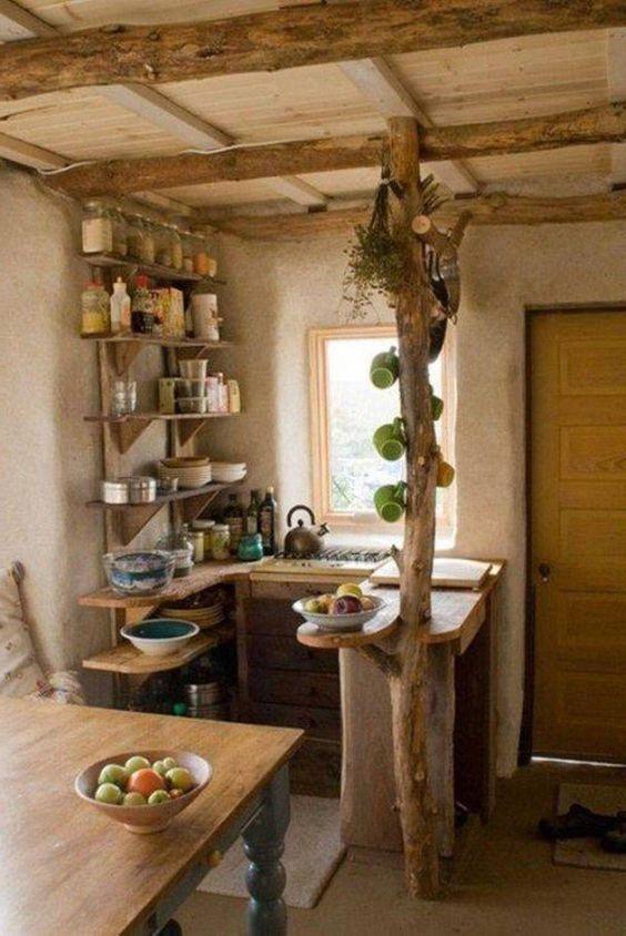 Penisola originale rustica con tronchi in legno