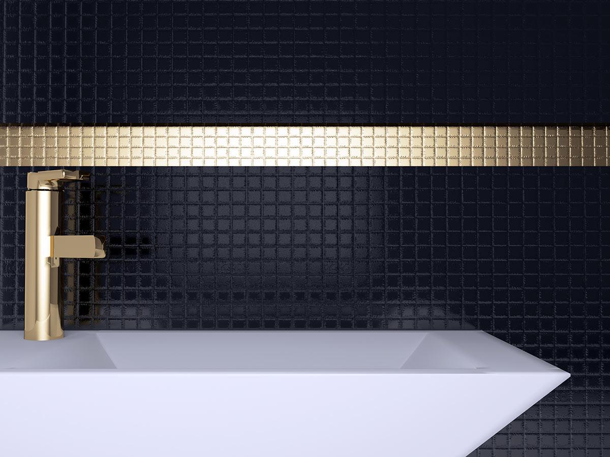 Bagno di lusso nero e oro.