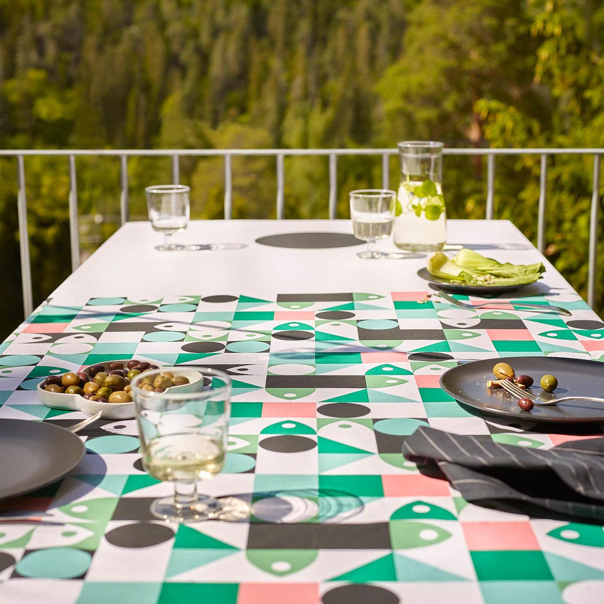 la nuova tovaglia MUSSELBLOMMA, catalogo Primavera IKEA