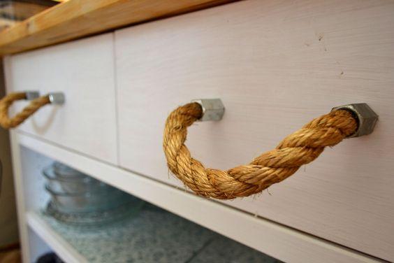 maniglia mobile fai da te con corda.
