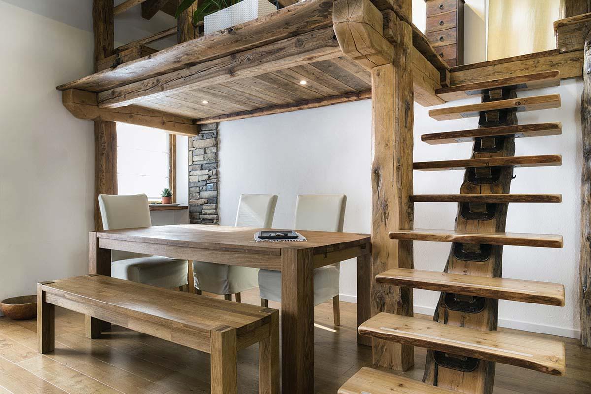 Soppalco in legno con scala design