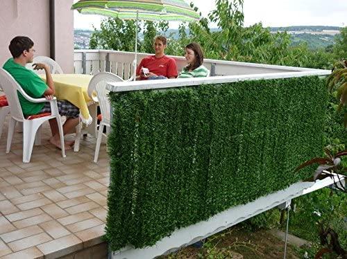 Finte foglie per il balcone.