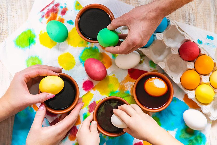 Lavoretti di pasqua con le uova, ideale da realizzare con i bambini.